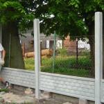 prace przy ogrodzeniu od strony podwórka